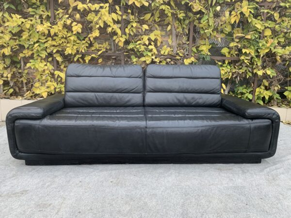 Кожаный диван, чёрный !Бронь