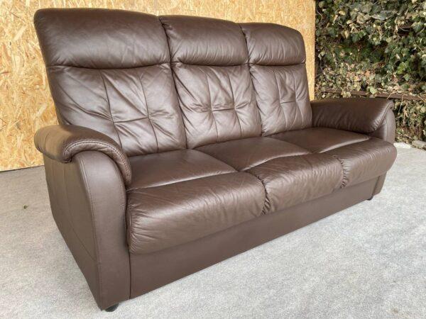 Кожаный диван (раскладной)