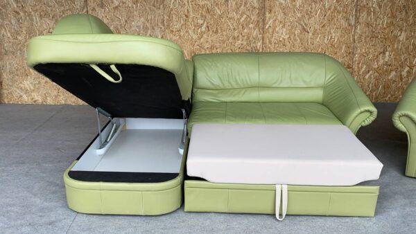 Кожаный уголок (раскладной)+ кресло !