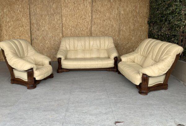 Кожаная мебель ( раскладная)заказан