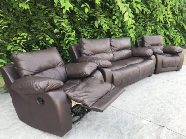 Кожаный диван кровать ( кресло реклайнер)
